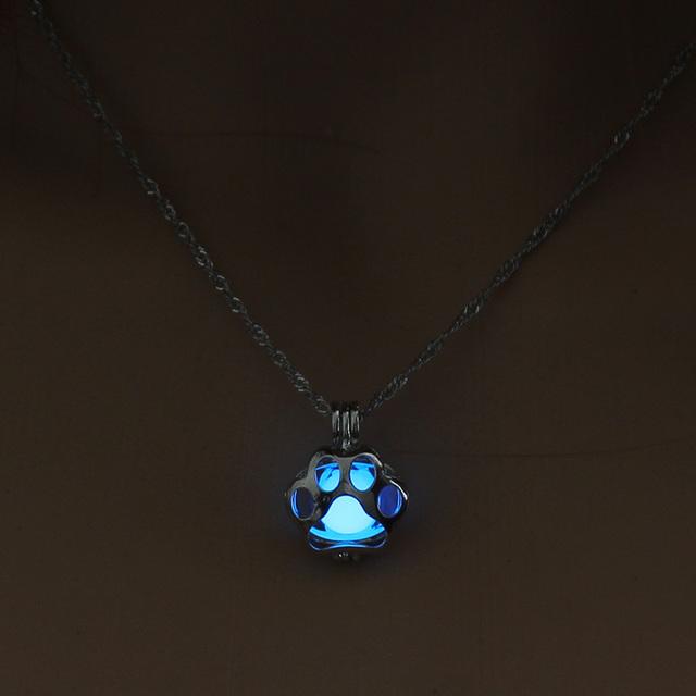 Dog Paw Dark necklace