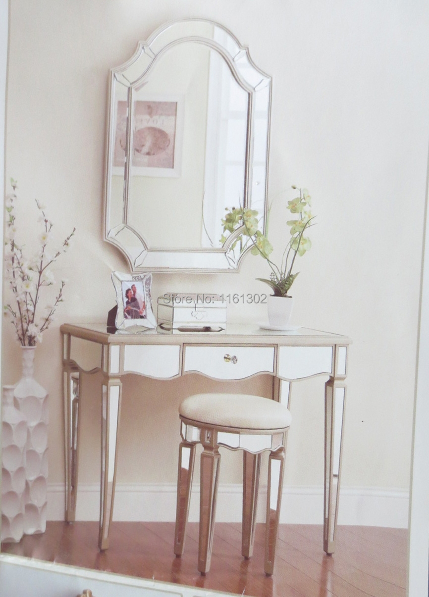 Dresser with mirror and chair - Mirrored Dressing Set Vanity Set