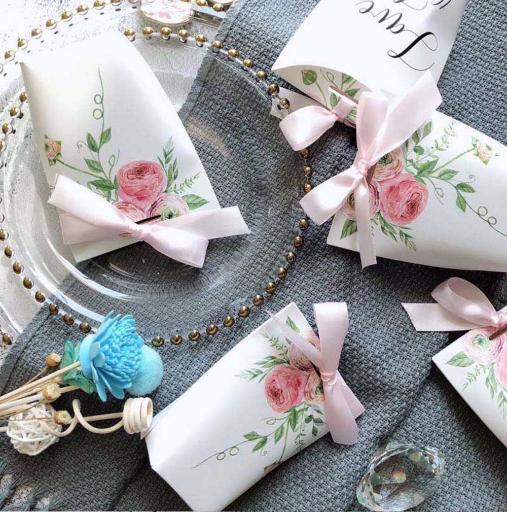50 stücke Schöne Weiß//rosa blumen rosa bowknot Hochzeit Bevorzugt Süßigkeit Boxen Bomboniere papier Geschenk Box geschenk tasche Partei schokolade Box