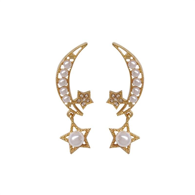 The new female stars moon pearl earrings lovely personality pendant South Korea elegant wholesale