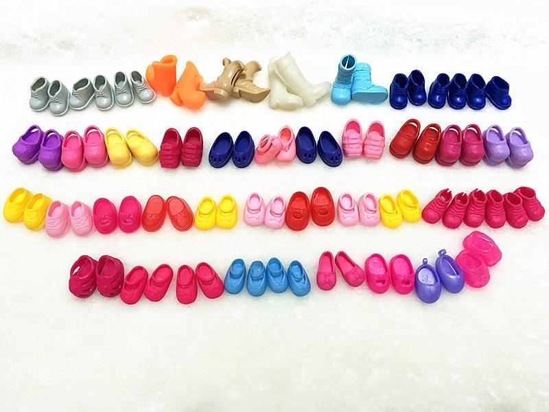 Oyuncaklar ve Hobi Ürünleri'ten Bebek Aksesuarları'de O U Oyuncak Karışık Stilleri Yeni Sevimli Küçük Ayakkabı Simba Bebek Kelly Bebek Rahat Oyuncak Ayakkabı Mini Bebek çizmeler Sandalet Toptan'da  Grup 1