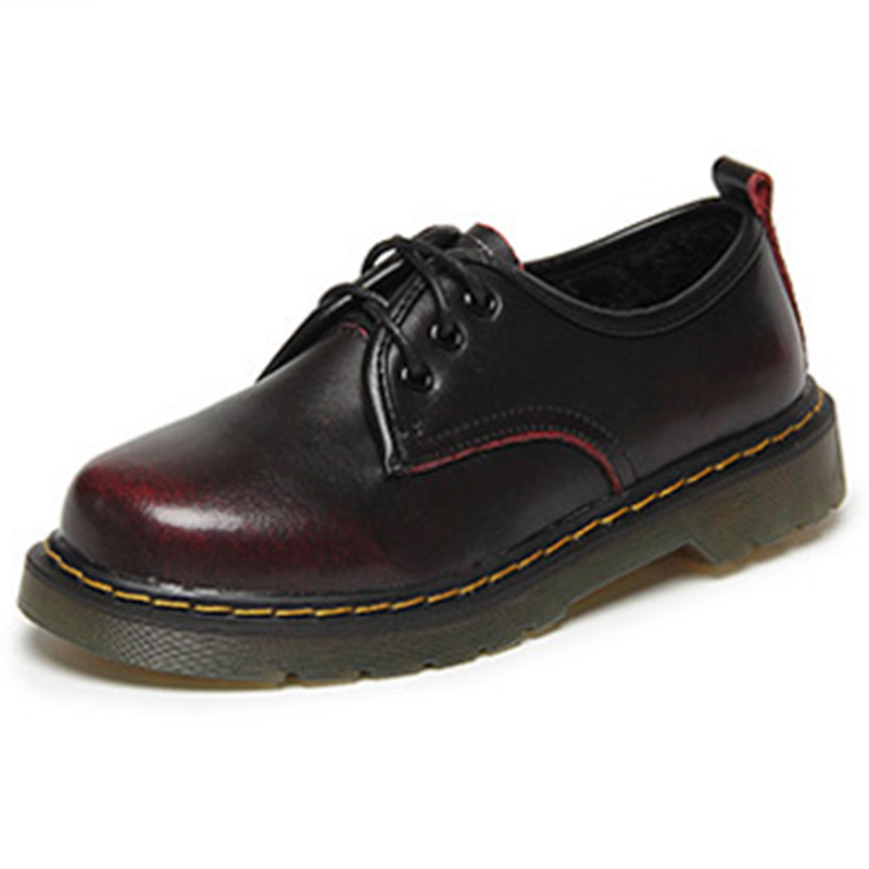 Lace dress shoes 5 eyelets and grommets