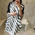 Moda Black White Stripes Impresso Quadrado Lenço de Seda Foulard Echarpe Pashmina Xale Feminino Feminino Inverno Ponchos E Capas