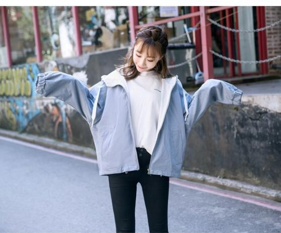 2018 new wild loose women's coat college wind autumn coat S023 bell sleeves buttoned loose fitted coat