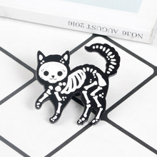 Cat Skeleton Smalto Spille Cartone Animato Animale Spille Halloween Gattino Kitty Badge Risvolto Spille Animale Dei Monili del Regalo per l'amico di amanti dei Gatti(China)