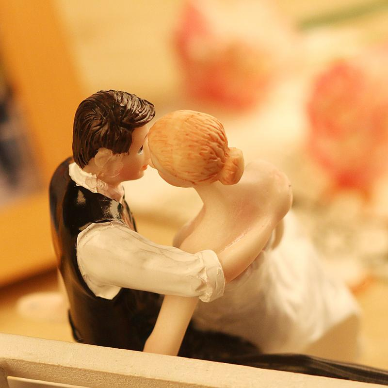 Hot selling western style wedding gift cake decoration bride and ...