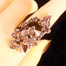 New Style European Index Finger Wedding Rings Court Vintage Big Gem Red Crystal Butterfly for Women Luxury Jewelry Gifts