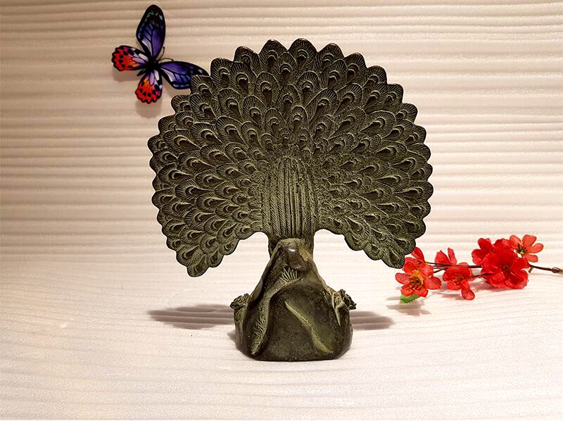 Chinese antique bronze peacock art collection copper peacock Feng Shui lucky copper animal indoor home decoration (4)