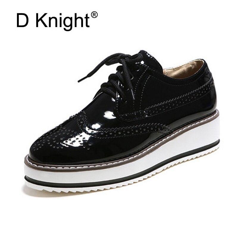 Nuevo 2019 tallado con cordones zapatos Oxford para mujer moda dedo del pie redondo Inglaterra estilo mujer Oxfords para mujer Casual Brogue zapatos planos Max