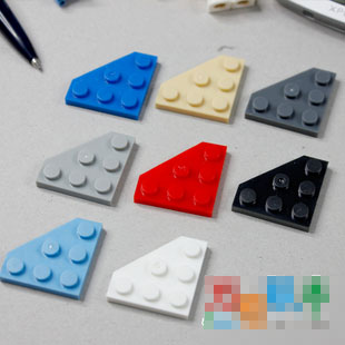 LEGO Lot of 2 Red 10x10 Cut Corner Plate Parts