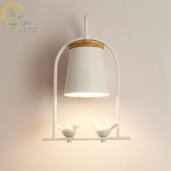 الحديثة الأبيض وحدة إضاءة LED جداريّة مصباح مع معدن عاكس الضوء لغرفة النوم الشمال خشبية جدار ضوء أباجورة شمعدانات جدارية داخلي الإنارة