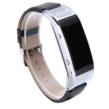 สมาร์ทบลูทูธนาฬิกาled 055โทรศัพท์กีฬาสายรัดคนรักมือแหวนนาฬิกาอิเล็กทรอนิกส์