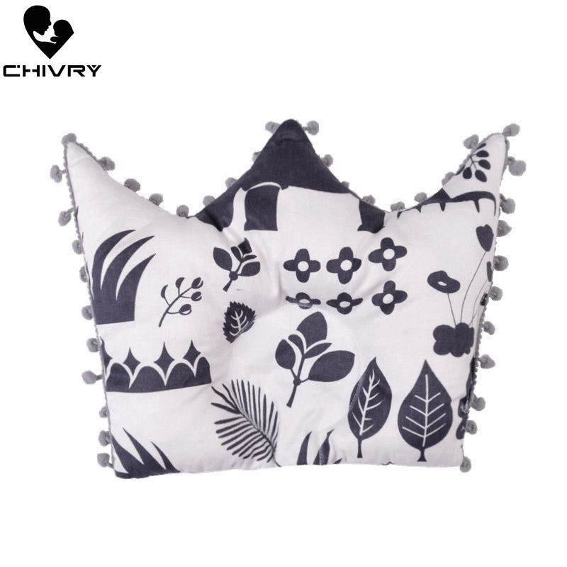 New Baby Shaping Pillow Prevent Flat Head Infants Crown Shape Cartoon Star Dot Print Pure Cotton Sleeping Bedding Pillows
