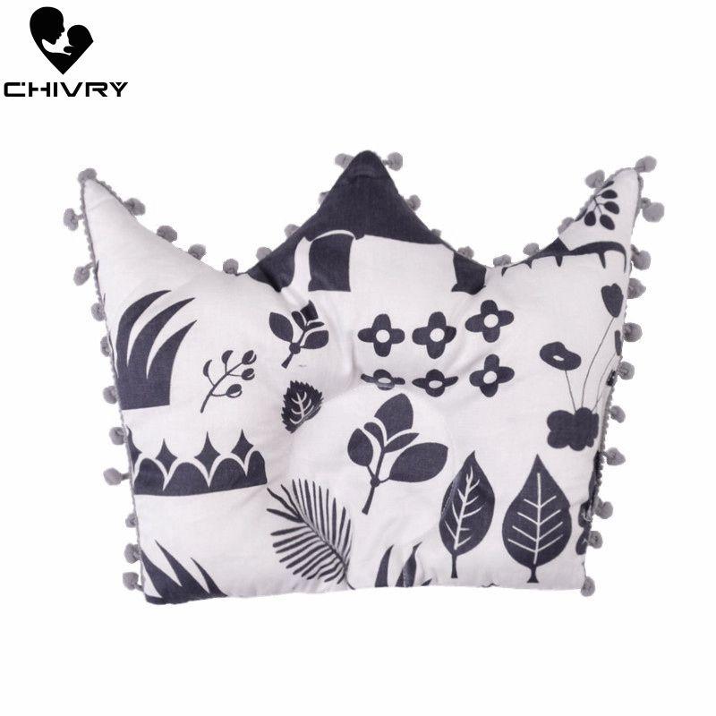 New Baby Shaping Pillow Prevent Flat Head Infants Crown Shape Cartoon Star Dot Print Pure Cotton Sleeping Bedding Pillows