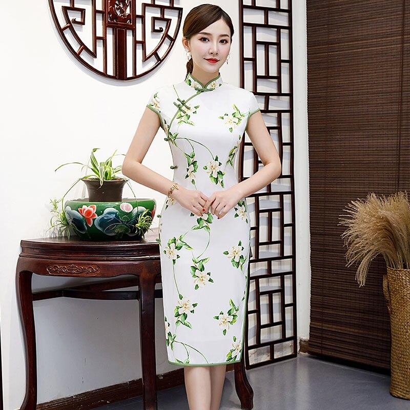 Sexy Knee Length Cheongsam 2019 Summer Vintage Chinese style Dress Fashion Womens Rayon Qipao Slim Party Dresses Button Vestido
