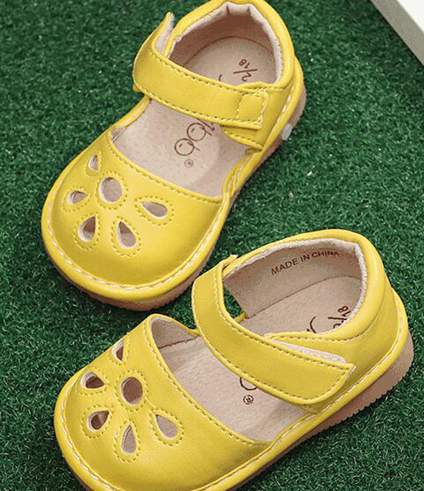 little girls squeaky shoes squeakers 1-3 years kids handmade spring summer shoes sandals nina sapatos fun baby shoes livie&luca