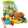 Los niños Juegan el Juguete Del Bebé Embotellada Frutas Y Verduras Rebanada Y Ver Magnética Música Como Simulación De Frutas Y Verduras De Madera