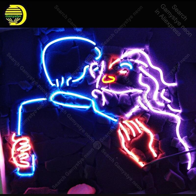 Letrero de neón para hombre y mujer beso bombilla de neón signo artesanal regalo de amor tubo de vidrio decoración de luces lámparas de pared pantalla publicidad en stock
