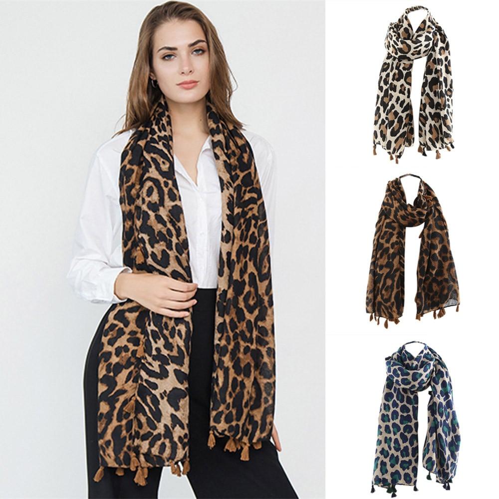 df5082d3e3c6 2018 nouveau Respirant Automne Classique Léopard Impression Sergé Gland De  Mode Femmes Écharpe D hiver