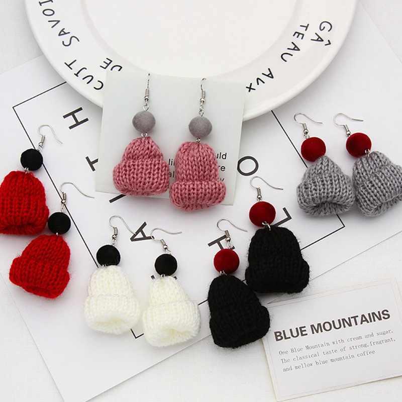 Versi Korea dari Musim Gugur Musim Dingin Yang Indah Sweater Natal Topi Anting-Anting Temperamen Lama Fluffy Bola Anting-Anting Wanita