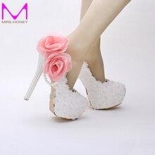 Weiß Spitze Geburtstag Schuhe Frauen Frühjahr Applikationen Mutter der Braut Schuhe Süße Nette 2016 Handgemachte Hochzeit Schuhe