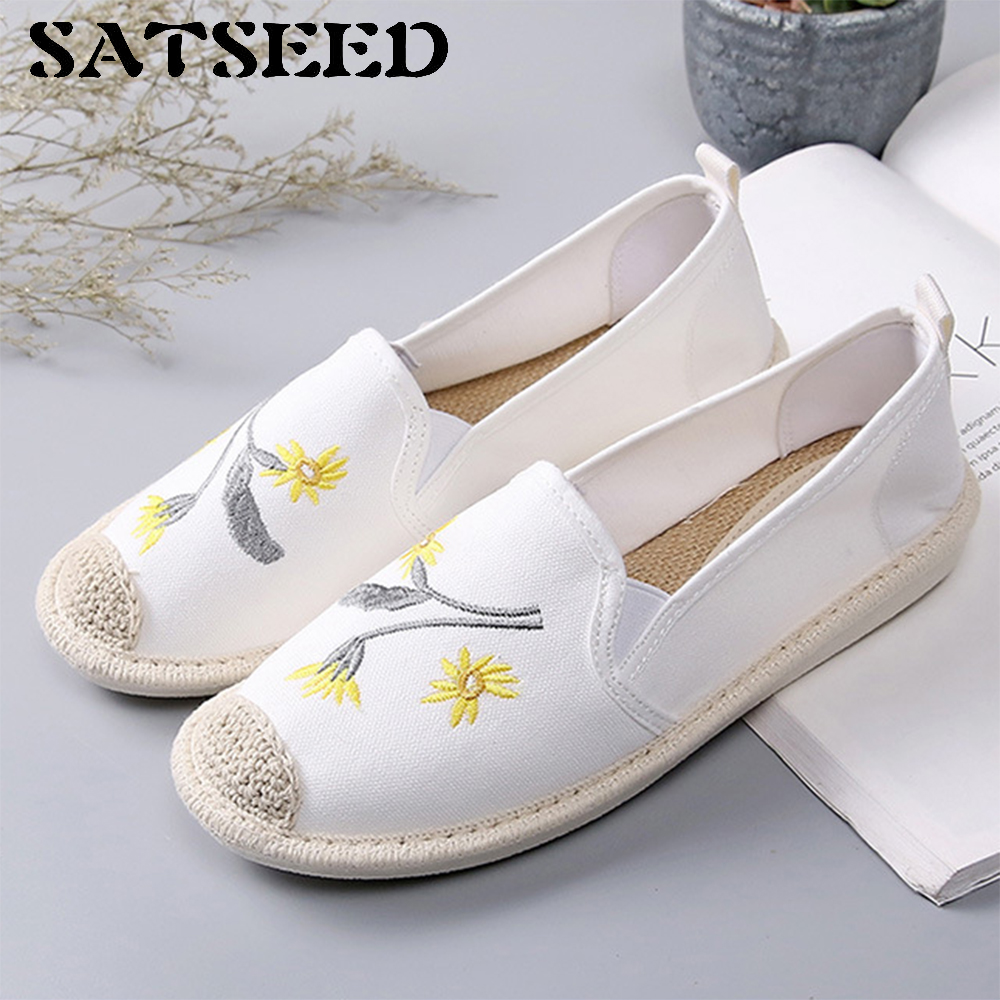 2018 New Summer Canvas Shoes Women Students Lazy Flat Spring Fisherman Shoes  Embroidered Women Shoes Casual Round Toe Fashion-in Women s Flats from Shoes  on ... 1c6844a2574f