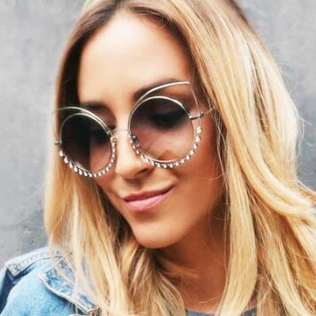 40f103aaf07 De luxe Celebrity Vintage Ronde Strass Cat Eye lunettes de Soleil Femmes  Marque Conception Nuances UV400