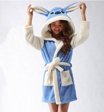 50fa68f03 Aliexpress.com  Comprar  Tienda de wiki  nuevo diseñador adultos felpa  Panda hola gatito Stitch ovejas Pijamas manga noche encantadora trajes de  baño de ...