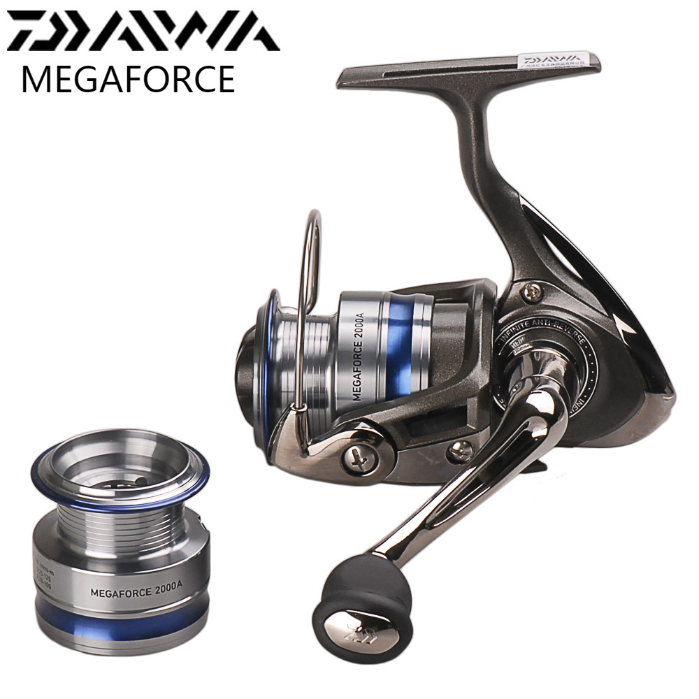Original DAIWA MEGAFORCE Spinning Fishing Reel with Spare Spool 2000A 2500A 3000A Spinning Wheel Carretilha Pesca Molinete Peche molinete fddl fishing reel 8000 9000 full metal wire cup big long shot sea salt water 5 2 1 spinning reel carretilha pesca