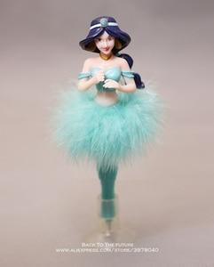 Image 4 - Disney Juego de 6 unidades de bolígrafo Blancanieves de la princesa Cenicienta, figura de acción de decoración, colección de PVC, modelo regalo