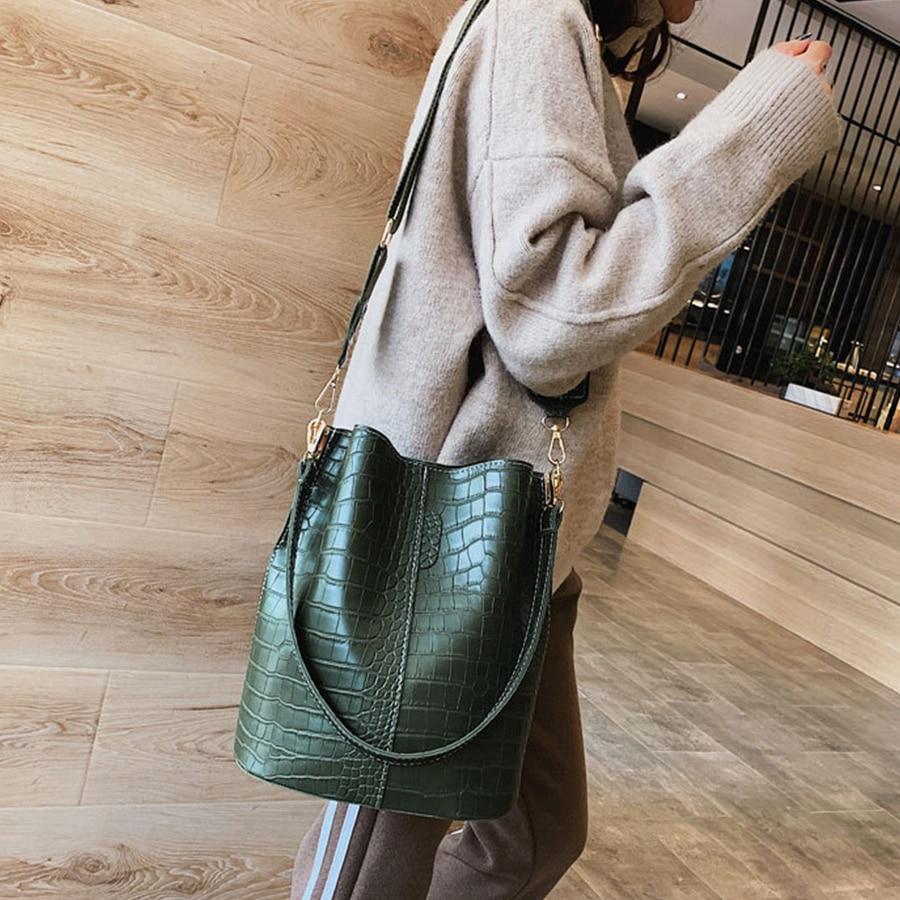 Casual y Alligator Bucket Bags Crocodile Women Handbag Wide Shoulder Strap Shoulder Messenger Bag Ladies Hand Bag Bolso femenino-in Shoulder Bags from Luggage & Bags