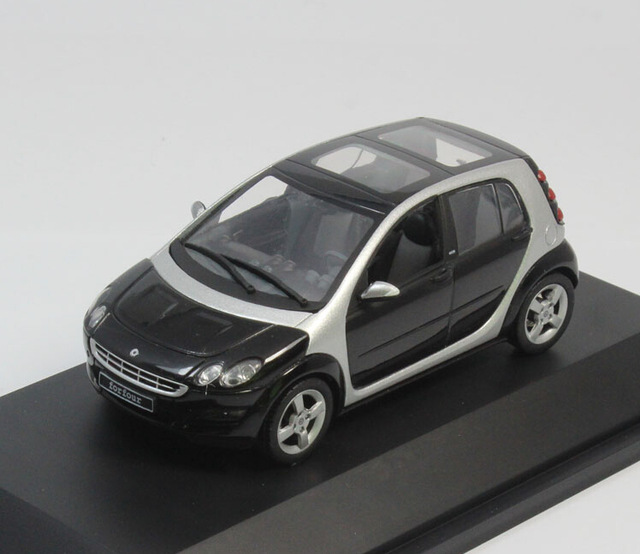 Free Shipping! Schuco 1:43 Car Model Old Smart Forfour Minicar Diecast Model Car Classic Toys Car Replica Hatchback