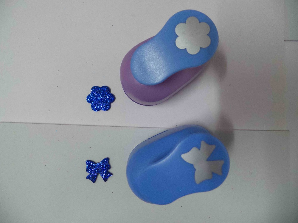 2pcs(2.5cm) Flower And Bowtie Shape Craft Punch Set Punch Craft Scrapbooking School Paper Puncher Eva Hole Punch Free Shipping
