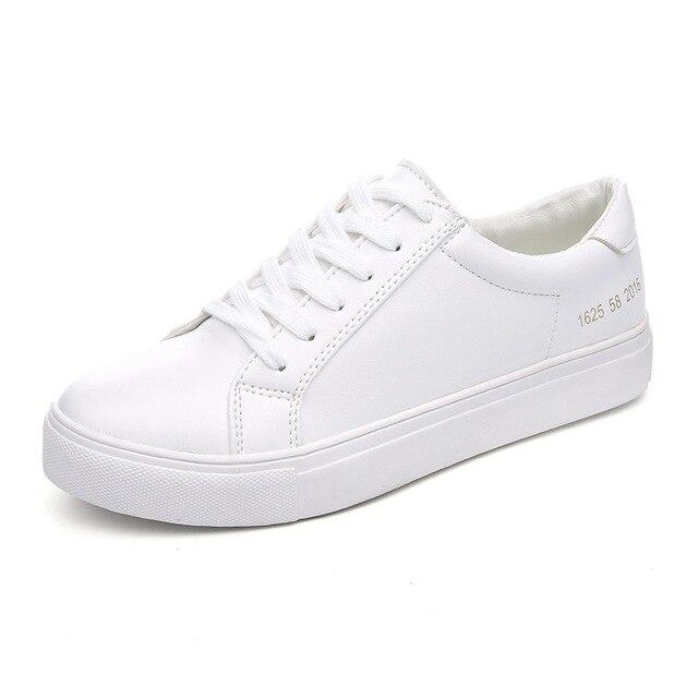 1c65082e3aa03e Nouvelle chaussure pour femmes Vogue chaussures en cuir plat marque  chaussures de skateboard Le Fu cravate