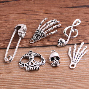 PULCHRITUDE Skull Charms Pendant Jewelry Making Metal Halloween Antique Silver 6pcs
