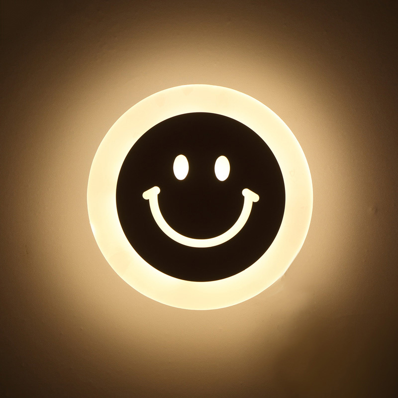 Creative LED Smile Face Wall Lamp Enkel Kids Cartoon Bed Room Light Ultra-tynde Akryl Porch Ganggangslister Passage Armatur