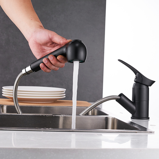 Kitchen faucets 360 degree swivel pull out