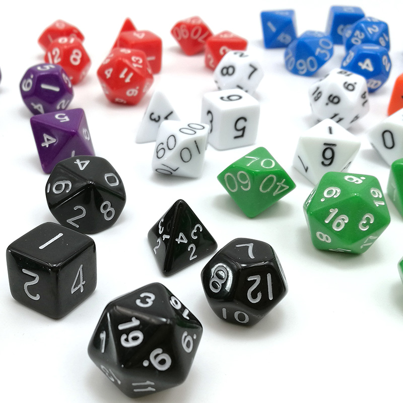 7pcs / set Gioco di dadi dadi d4 d6 d8 d10 d% d12 d20 set per dungeons e dragons board