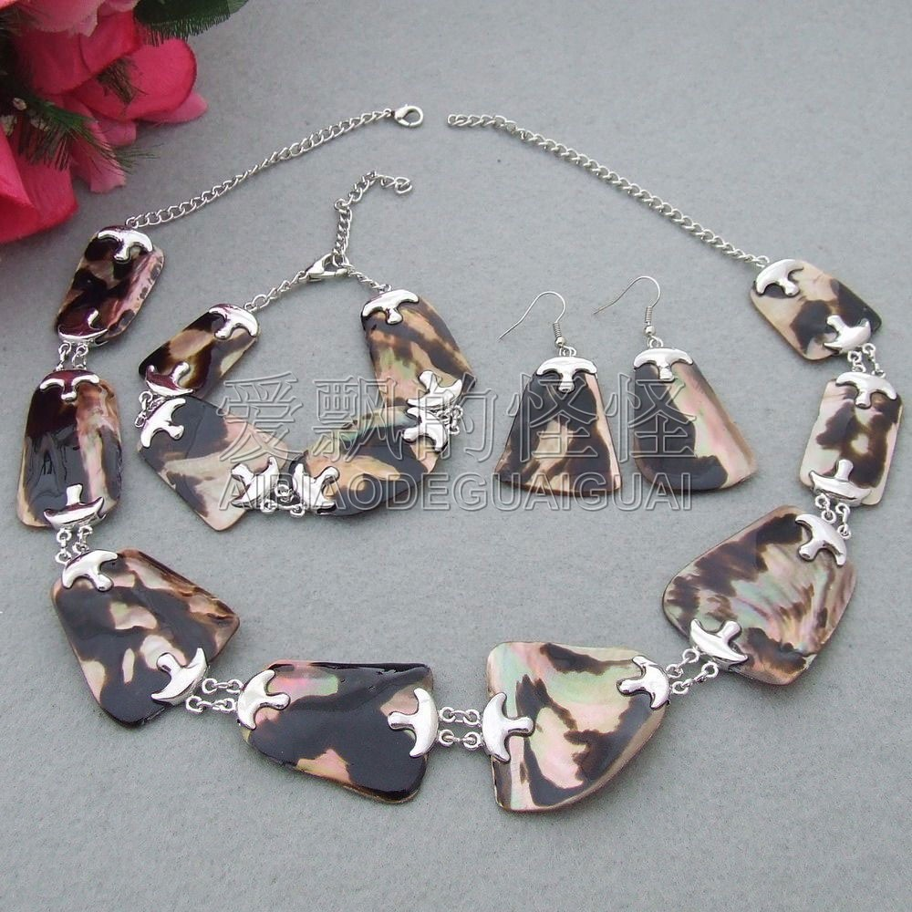S061805 Natural 40mm Shell Necklace Bracelet and Earrings Sets
