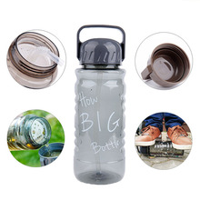 Bpa Free 2L large capacity Plastic outdoor sports kettle portable handgrip equipped straw water bottle travel cup tea infuser