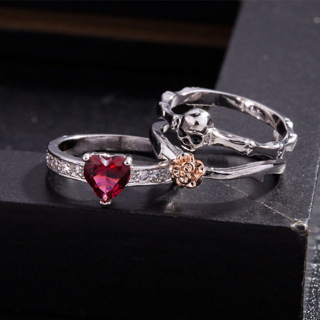 1SET RED HEART CRYSTAL SKULL RING (3 VARIAN)