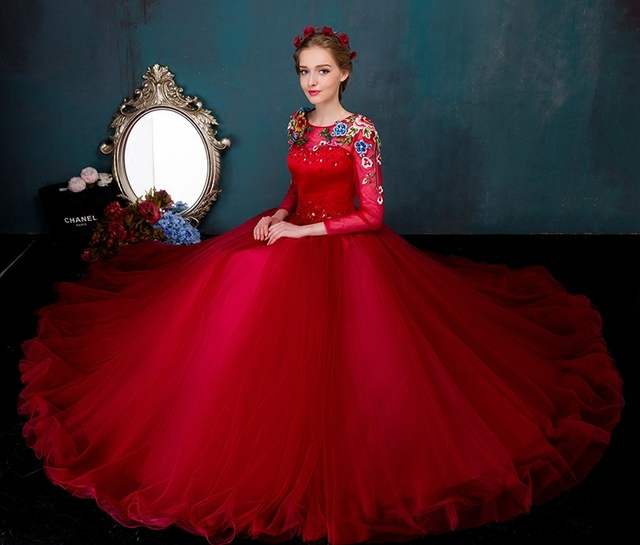 Real Queen Dresses