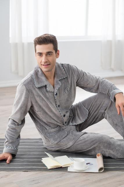 Otoño e invierno térmica entresol algodón de aire ropa de dormir de los hombres en el país servicio conjunto de manga larga de algodón puro