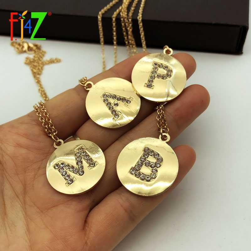 F.J4Z New Hot Alphabet Coin Pendants Golden Mini 26 Letters Necklaces Sparkling Rhinestone Women Initial collares