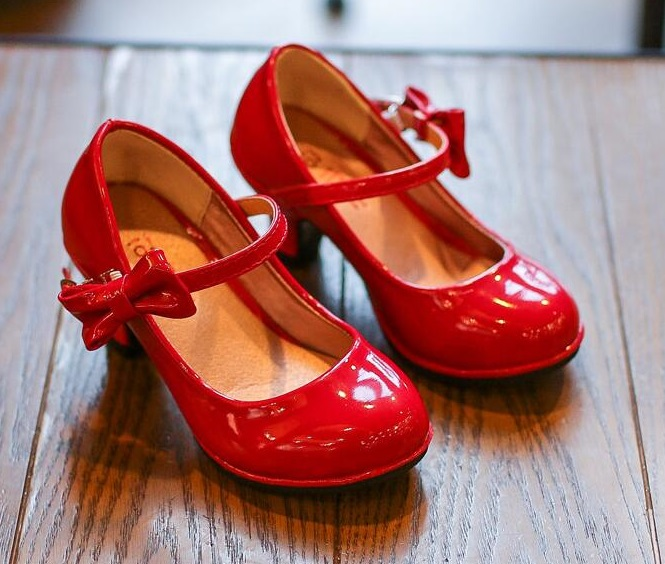 2019 New Fashion Children Leather Princess Shoes Girls Dance Bowtie Sandals Shiny Solid Color High-heeled Party Kids Shoes