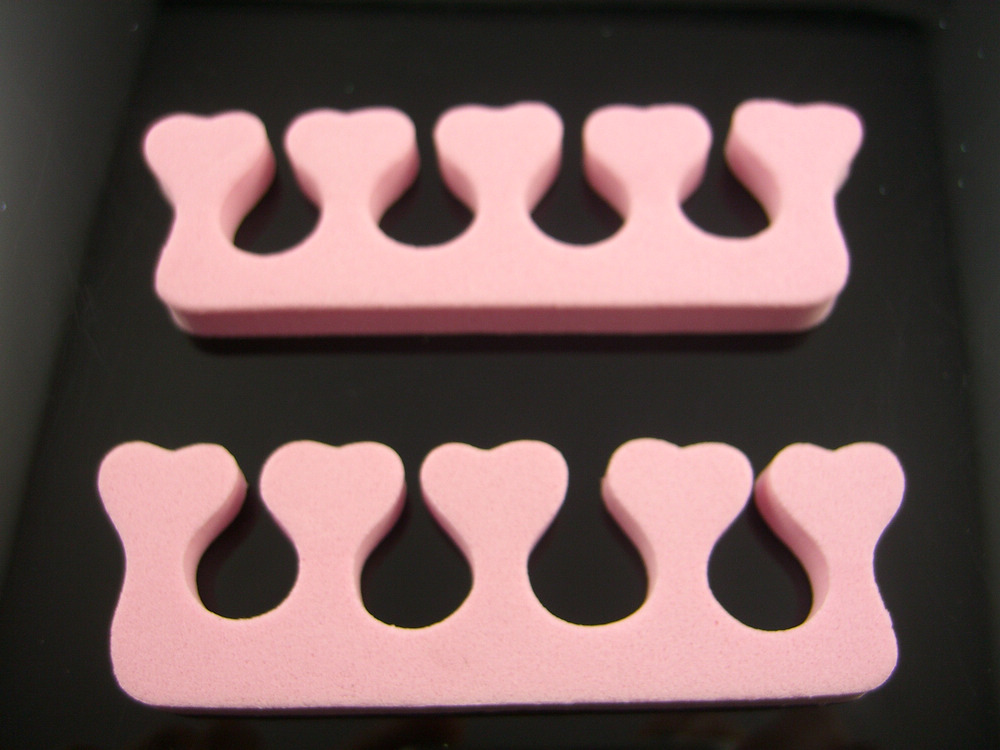 2 Pcs Soft Sponge Foam Finger Toe Spreader  Separator Nail Art Salon Pedicure Manicure Tool Feet Care