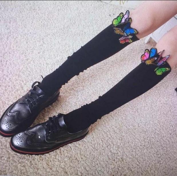 Princesa meias lolita doce O novo tubo fluorescente bordado moda decorações de borboleta meias polainas