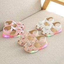 Новые детские светящиеся туфли для мальчиков и девочек спортивные кроссовки Кристалл Светодиодная лампа в форме цветка световой спортивные сандалии тапки infantil