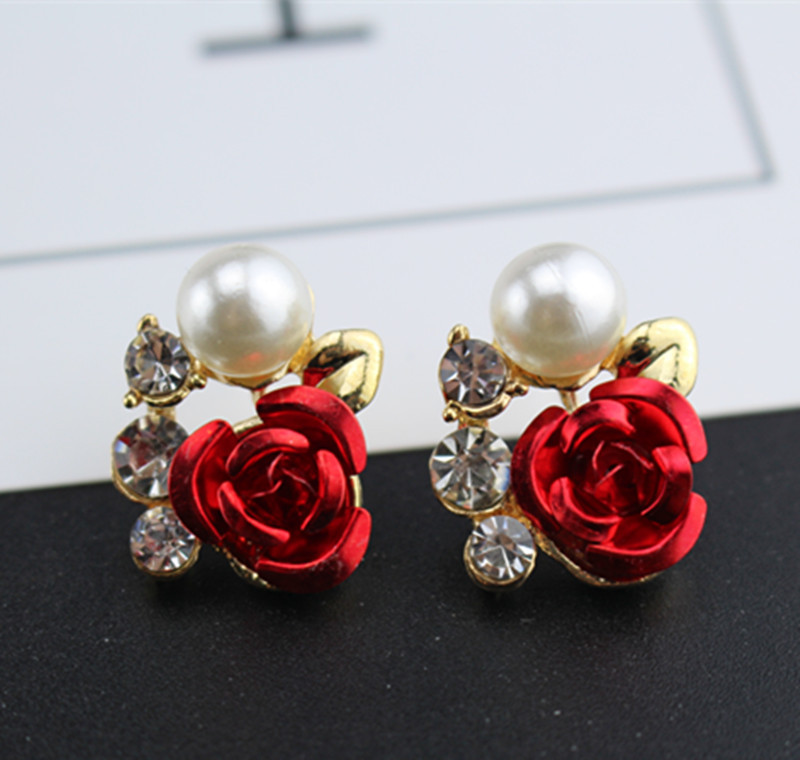 wholesale   Taobao jewelry wholesale Korean version of the new Pearl Leaf Earrings simple rose twist drill Earrings