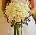 Romántico manos que sostienen Rose Bouquet De Mariage De seda Artificial hechos a mano flores color De rosa barato ramo De novia envío gratis